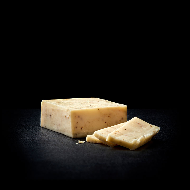 Product image of Garlic & Pepper Cheddar